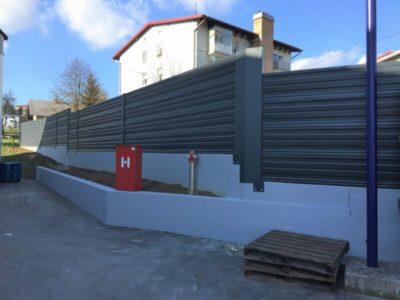 Aluminijumska ograda protiv buke u industriji Mirna
